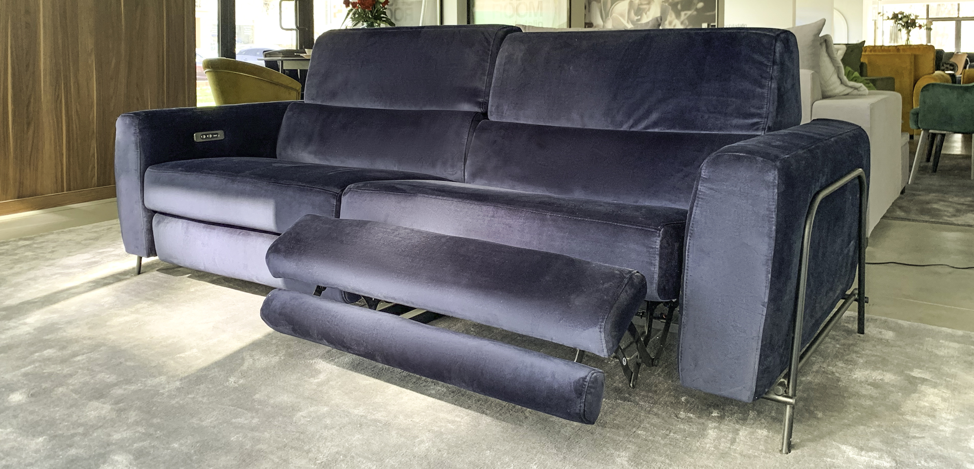 canapea-mossa-3-locuri-2-recliner-electric-01.jpg