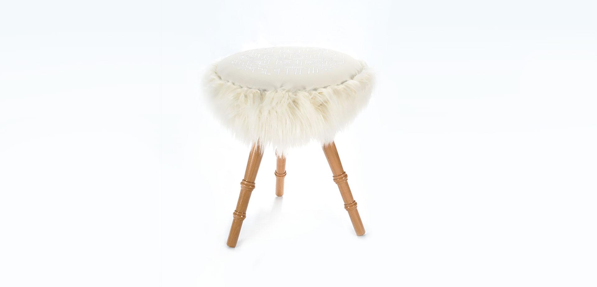 masa-fluier-si-scaun-miorita-04.jpg